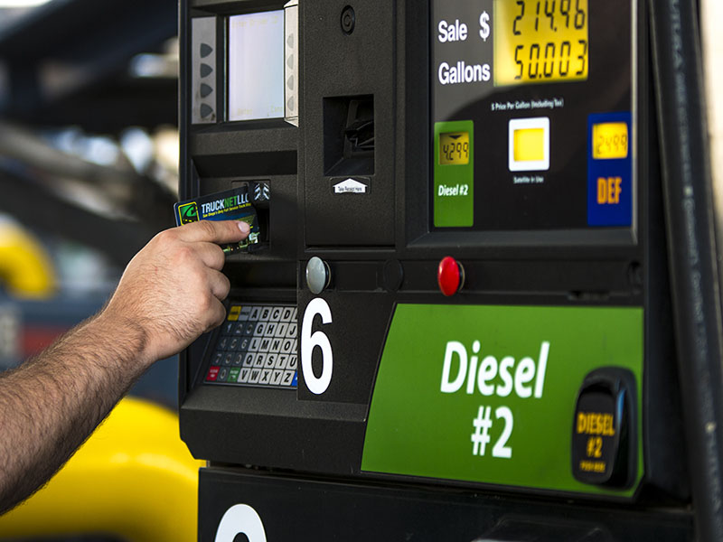 Wholesale fuel prices for card members